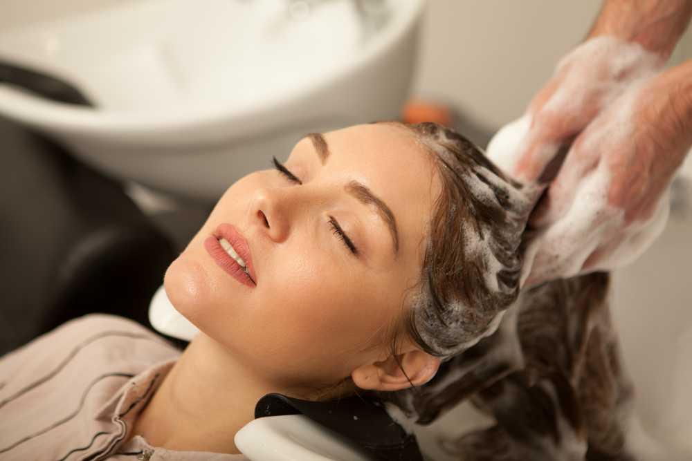 Massage đầu thường xuyên để giảm stress